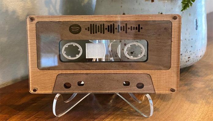 Как заработать 2000 долларов на Etsyна деревянной кассете