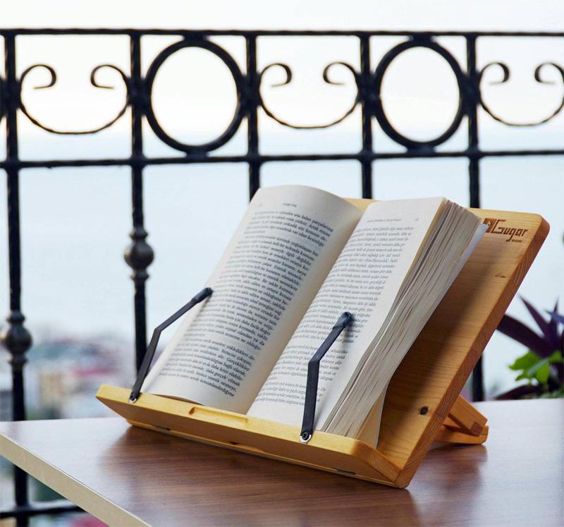 Держатели страниц на дорогой подставке для кулинарной книги