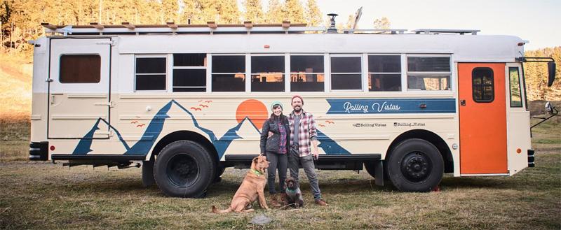 Рукодельница купила школьный автобус