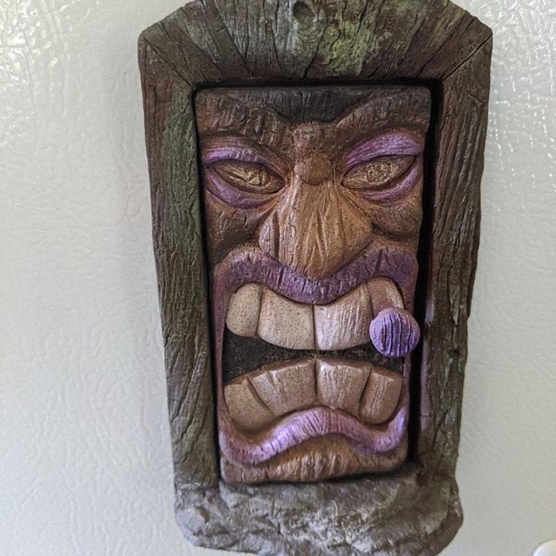 Волшебная дверь на холодильнике