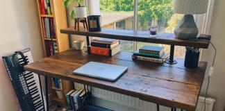 Компьютерный стол в деревенском стиле